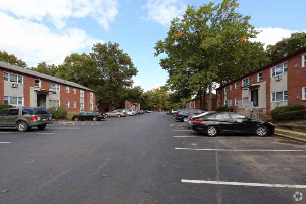 rock-springs-apartments-morrisville-pa-building-photo-2
